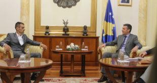 """Kryekuvendari, Kadri Veseli shpesh viziton """"ilegalisht"""" veriun e Kosovës"""