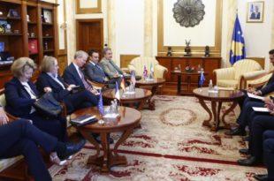 Kryetari i Kuvendit të Kosovës, Kadri Veseli ka pritur në takim ambasadorët e vendeve të Quintit