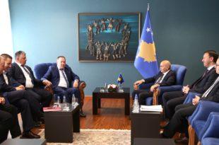 Kryeministri i Kosovës, Isa Mustafa, ka pritur në takim kryetarin e veteranëve, Hysni Gucati