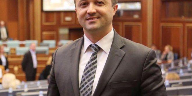 Deputeti i Kuvendit të Kosovës, Veton Berisha, para disa ditësh iu ka bashkuar Grupit Parlamentar NISMA-AKR