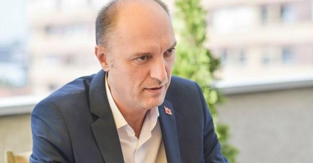 Visar Ymeri thotë se PSD-ja është kundër rrëzimit të Qeverisë Haradinaj për shkak të taksës 100%
