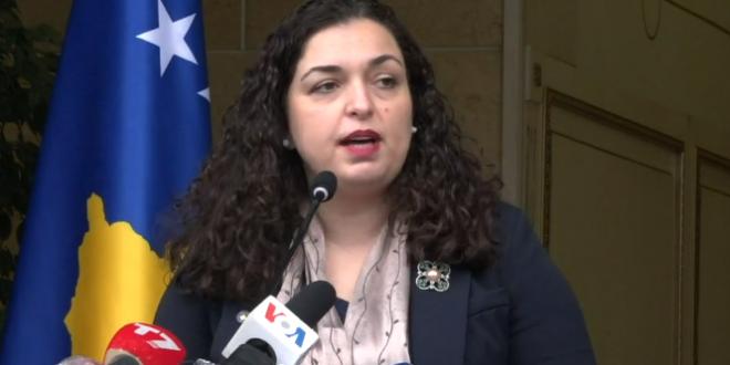 Vjosa Osmani ka mohuar që babai i saj të ketë punuar për Serbinë pas 15 marsit të vitit 1989, kur është larguar nga puna