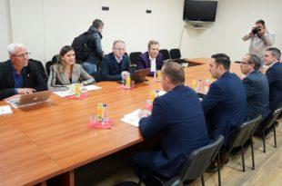 Grupet punuese të Vetëvendosjes dhe LDK-së takohen sot për të mbyllur çështjet që kanë mbetur të hapura