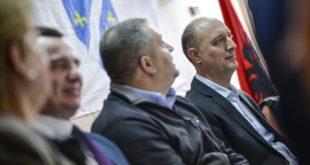 Visar Ymeri, Albin Kurti dhe Shpend Ahmeti, morën pjesë në tryezën e organizuar nga komuniteti boshnjak