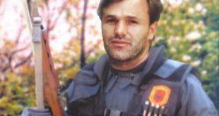 Sot rivarroset heroi i kombit, Ilir Lushtaku në Kompleksin e Dëshmorëve në Marinë të Skenderajt