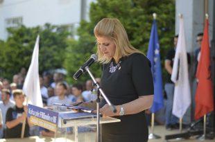 Yllarta Thaçi: Evropa nuk është kopsht me lule dhe nuk të falë dashuri si vendi yt!