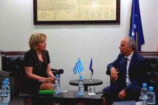 Ministri Zharku priti në një takim shefen e Zyrës Ndërlidhëse të Greqisë në Prishtinë, ambasadoren, Athanassiadu