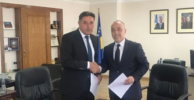 Ministria e Infrastrukturës ndan 100 mijë euro për komunën e Kamenicës