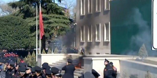 Zjarrevenesit ne Shqiperi